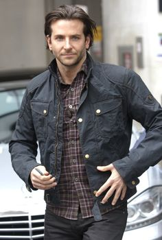 bradley-cooper-leaving-the-bbc-radio-2-studios-04.jpg (673×1000)