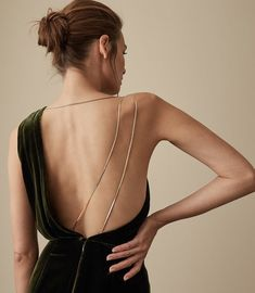 Women's Clothes - Trendy Fashion Clothing For Sale Online Green Cocktail Dress, Iconic Dresses, Playing Dress Up, Dress Collection, Backless, Glamour, Couture, Reiss, My Style