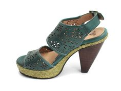 Will have to try these on in store to see how that heel feels, but these are adorable and the gray color looks good too!