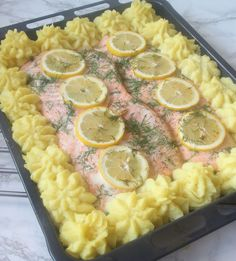 Whole salmon in oven Pasta Salad, Cobb Salad, Fish And Seafood, Salmon Recipes, Bon Appetit, Sausage, Oven, Food And Drink, Favorite Recipes