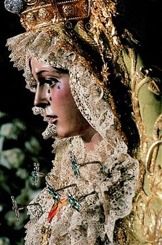 Seville, Spain (La macarena - The Virgin Mary figurine from Holy Week) i would like to visit and experience this. Holy Week In Spain, Lady Madonna, Sevilla Spain, Religion, Our Lady Of Sorrows, Queen Of Heaven, The Rite, Blessed Virgin Mary, Blessed Mother