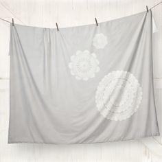 Spun lace quilt cover | hardtofind.