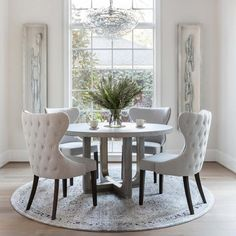 Dining Room Table Decor, Elegant Dining Room, Luxury Dining Room, Dining Room Design, Living Room Decor, Round Dinning Room Table, Dinning Room Ideas, Grey Dining Room Chairs, Side Chairs