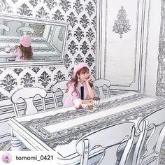 그림 cafe YND 223-14 / 2Dcafe (@ynd239.20_cafe) • Fotos e vídeos do Instagram Cafe Interior Design, Boutique Interior, Cafe Design, Black And White Prints, Black And White Drawing, White Cafe, Environmental Graphic Design, Modern Tiny House, Comic Book Style
