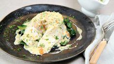 Ovnsbakt skrei med hvitvinssmørsaus Main Dishes, Fish, Chicken, Meat, Breakfast, Recipes, Dinners, Main Courses, Breakfast Cafe