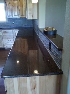 Hickory Cabinets Design, Pictures, Remodel, Decor and Ideas - page 2 Cheap Countertops, Formica Countertops, Butcher Block Countertops, Bathroom Countertops, Countertop Backsplash, Butcher Blocks, Buy Kitchen, Kitchen On A Budget, Updated Kitchen