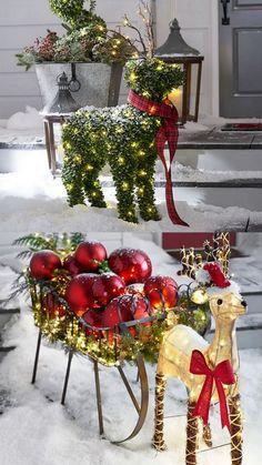 Lit Boxwood Collection + Outdoor Burlap Reindeer