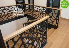 Schody dywanowe na beton Understairs Ideas Beton Dywanowe Schody - Popular Modern Stair Railing, Balcony Railing Design, Home Stairs Design, Stair Handrail, Staircase Railings, Modern Stairs, Interior Stairs, Door Design, Wall Design
