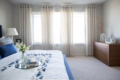 Relax Like on the Beach with Nautical Style Bedroom Decorations - Home Ideaz Nautical Fashion, Bedroom Decor, Relax, Blue And White, Contemporary, Interior Design, Master Bedrooms, Bed Room, Decoration