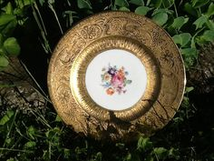 Gorgeous 22 carat gold hand painted by Glassthatrocks on Etsy, $45.00