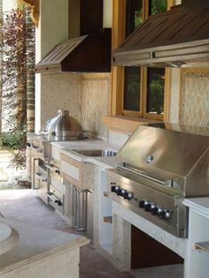 Outdoor Kitchen Ideas - Get our ideal suggestions for exterior kitchen areas, including lovely outdoor cooking area decoration, yard decorating ideas, and also images of outside kitchens. Basic Kitchen, Summer Kitchen, Kitchen Ideas, Kitchen Designs, Kitchen Modern, Kitchen Layout, Country Kitchen, Outdoor Rooms, Outdoor Living
