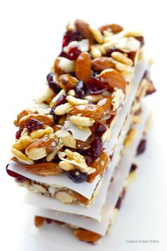 Gimme Some Oven is part of Pregnancy snacks - These cranberry almond protein bars are full of proteinpacked ingredients, easy to make, naturallygluten free, and absolutely delicious! Easy Protein Bars, Protein Bar Recipes, Healthy Bars, Healthy Muffins, Healthy Treats, Snack Recipes, Healthy Recipes, Protein Cake, Protein Muffins