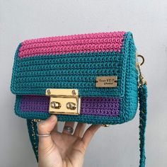 Crochet Pouch, Diy Crochet, Crochet Stitches, Crotchet Bags, Knitted Bags, Crochet Handbags, Crochet Purses, My Bags, Purses And Bags