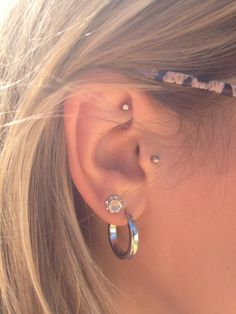 With my tragus... Or the other ear?