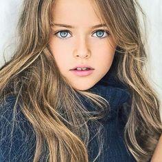 「ロシアの天使」クリスティーナ ピネ ノーヴァ 世界一の美少女だって、テレビに出てた!二人の子供にぴったり♪ Is 8-Year-Old Kristina Pimenova...