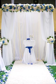 white and blue wedding ceremony