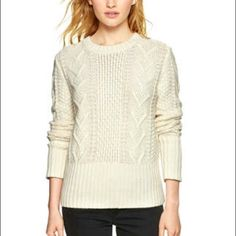 Gap Tan Cableknit sweater Tan thick cableknit sweater GAP Sweaters Crew & Scoop Necks