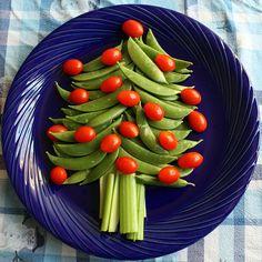 Veggie Christmas tree appetizer.
