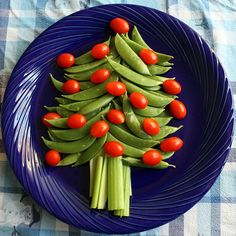 Veggie Christmas tree appetizer.