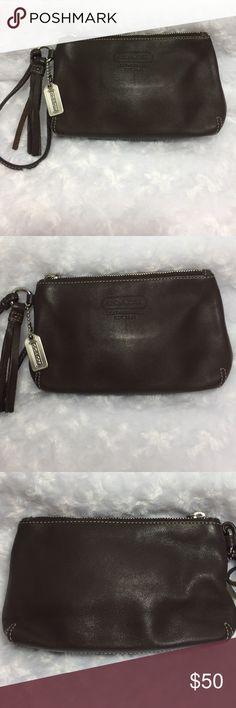 "💋Coach Brown Leather Wristlet Nwot Clutch Nice brown leather coach wristlet 7.5"" x 4"" Coach Bags Clutches & Wristlets"