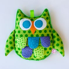 Green Baby Crinkle Owl Toy - based on little fishy tutorial