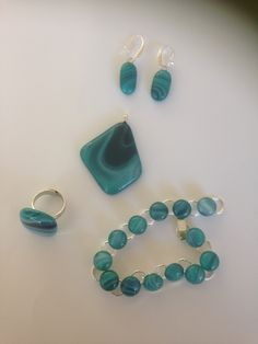 Set off Jewelry: bracelet, Earring, ring, and neckless