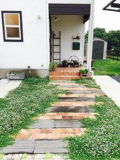 Pebble Garden, Garden Paving, Garden Paths, Dream Garden, Home And Garden, Pagoda Garden, No Grass Backyard, Garden Entrance, Brick Patios