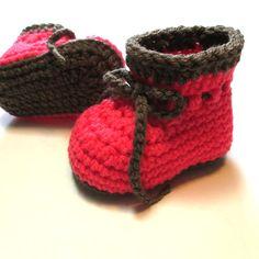 В'язання гачком пінетки дівчинка.  Готовий до відправлення 3-6 місяців дитина пінетки.  Рожеві дитячі пінетки.  Дитячі пінетки з зв'язків.