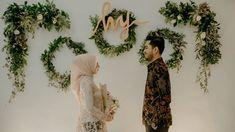 gorygul - 0 results for weddings Engagement Decorations, Wedding Decorations, Dream Marriage, Wedding Photography Poses, Kebaya, Engagement Photos, Exo Monster, Backdrops, Wedding Photos