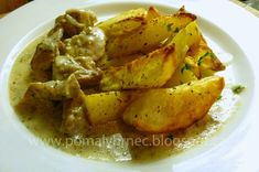 Pomalý hrnec: Vepřové kostky ve smetanové omáčce v pomalém hrnci... Risotto, Crockpot, Potatoes, Meat, Chicken, Vegetables, Ethnic Recipes, Food, Casual