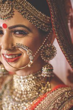 50 New Ideas Indian Bridal Nose Ring Galleries Bridal Poses, Bridal Photoshoot, Bridal Portraits, Wedding Poses, Nath Bridal, Bridal Nose Ring, Nath Nose Ring, Bride Photography, Indian Wedding Photography