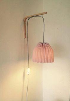 Découvrez Lampe de chevet applique murale en origami  sur alittleMarket