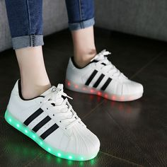 Chaussure Led Trois Bandes Blanche