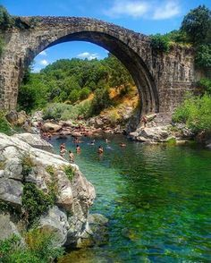 Garganta de Alardos Madrigal de la Vera Beautiful Sites, Beautiful Places To Visit, Beautiful Beaches, Places To Travel, Places To See, Spain And Portugal, Andalusia, Spain Travel, Nature Pictures