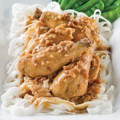 Poulet à la thaï, sauce aux arachides - Les recettes de Caty Thai Recipes, Asian Recipes, Chicken Recipes, Cooking Recipes, Paleo, Pulled Pork, Chicken Wings, Crockpot, Nutrition