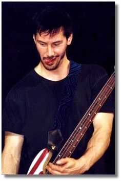 WHY DO WE LOVE KEANU? Because he isn't afraid to be goofy. (chicfoo) keanu