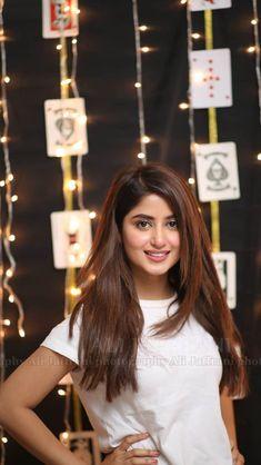 Sajal Pakistani Girl, Pakistani Actress, Global Hair Color, Sajjal Ali, Stylish Girl Pic, Girl Photo Poses, Indian Beauty Saree, Girls Dpz, Celebs