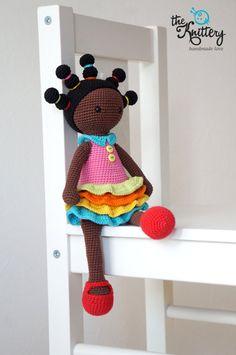 Ganchillo muñeca con trenzas vestido y zapatos / del