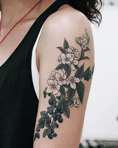 WEBSTA @ fflowerporn - Apple blossoms and blueberries for Maria🍏🍃 #tattoo…