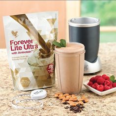 Protein Shakes For Weight Loss. Protein shakes for weight loss - great meal replacement shakes made with healthy Forever Lite Ultra! Best Protein Shakes, Chocolate Protein Shakes, Chocolate Shake, Protein Shake Recipes, Smoothie Recipes, Protein Smoothies, Fruit Smoothies, Forever Aloe, Forever Living