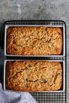 Apple Bread - This quick and easy apple bread recipe is loaded with shredded apples, ensuring moist, delicious fresh apple flavor and texture in every bite! Healthy Apple Desserts, Apple Dessert Recipes, Loaf Recipes, Apple Recipes, Baking Recipes, Pecan Recipes, Gourmet Desserts, Plated Desserts, Apple Fritter Bread