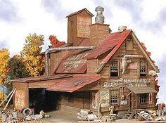 Majestic Hardware -- Laser-Cut Wood Kit - N-Scale (bmm941) Bar-Mills N Scale Model Railroad Buildings