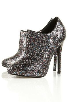 MORE GLITTER SHOES