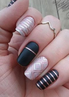 Best Nail Art Ideas Dark Nail Polish, Dark Nails, Long Nails, Nail Art Blog, Nail Art Diy, Cool Nail Art, Chevron Nails, Gradient Nails, Line Nail Art
