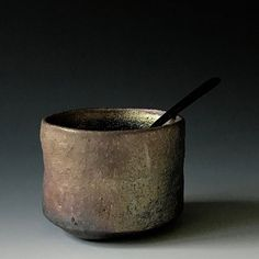 #stoneware #woodfiredpottery #anagama #anagamafiring #ceramics #ceramicart #clayart #craft #handmade #pottery#potteyart #potsinaction #potteryart #chawan #tea #teabowl #teacup #tableware #interiordetails #matsgisvenssonmatsgisvensson