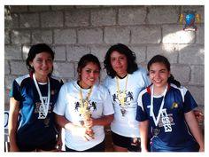 UCEC vs AGR jugaron final de voleibol, saliendo victoriosas las alumnas de UCEC en 3 sets con marcador 21 – 11, 19 – 21 y 16 - 14