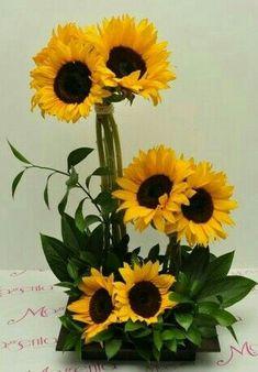 Summer Flower Arrangements, Sunflower Arrangements, Rose Arrangements, Beautiful Flower Arrangements, Flower Centerpieces, Flower Vases, Church Flowers, Fall Flowers, Dried Flowers