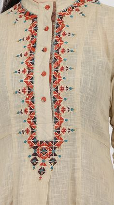 Beautiful and trendy Hand Embroidery Neck Designs Latest Embroidery Designs, Kurti Embroidery Design, Indian Embroidery, Embroidery Suits, Embroidery Stitches, Embroidery Patterns, Machine Embroidery, Neckline Designs, Kurti Neck Designs
