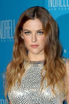 Riley Keough at the 2015 UNICEF Snowflake Ball at Cipriani Wall Street, New York City December, Riley Keough, Elvis And Priscilla, Lisa Marie Presley, Rachael Leigh Cook, Elvis Presley Family, New York Street, Famous Celebrities, Hollywood Actresses, Cut And Color