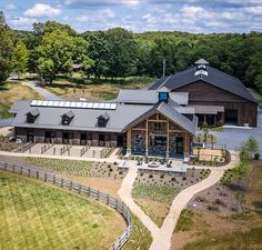 Equestrian Stables, Horse Stables, Horse Farms, Dream Stables, Dream Barn, Horse Barn Designs, Horse Shelter, Horse Barn Plans, Farm Lifestyle